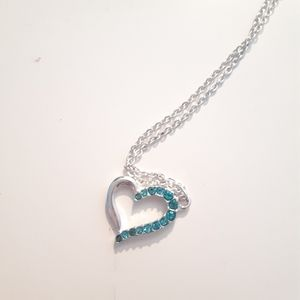 💕 5/10$ heart necklace with blue jewels